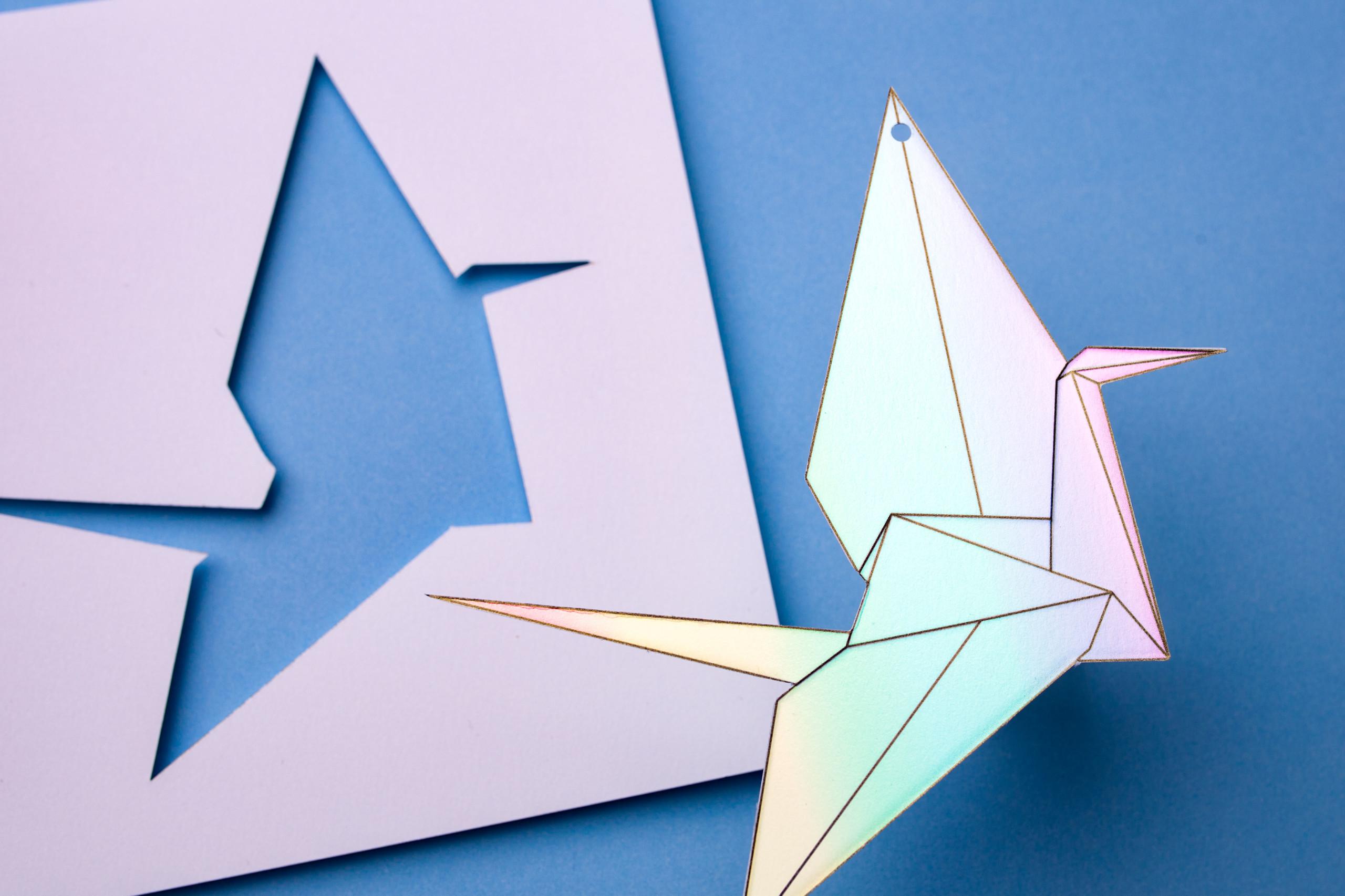 Gestanzter Origami Figur, Hologram Folie, Druck-Veredelung